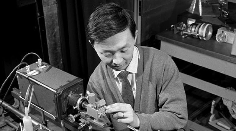 Un grand innovateur qui n'a rien inventé : Charles Kao et la naissance des télécommunications par fibres optiques